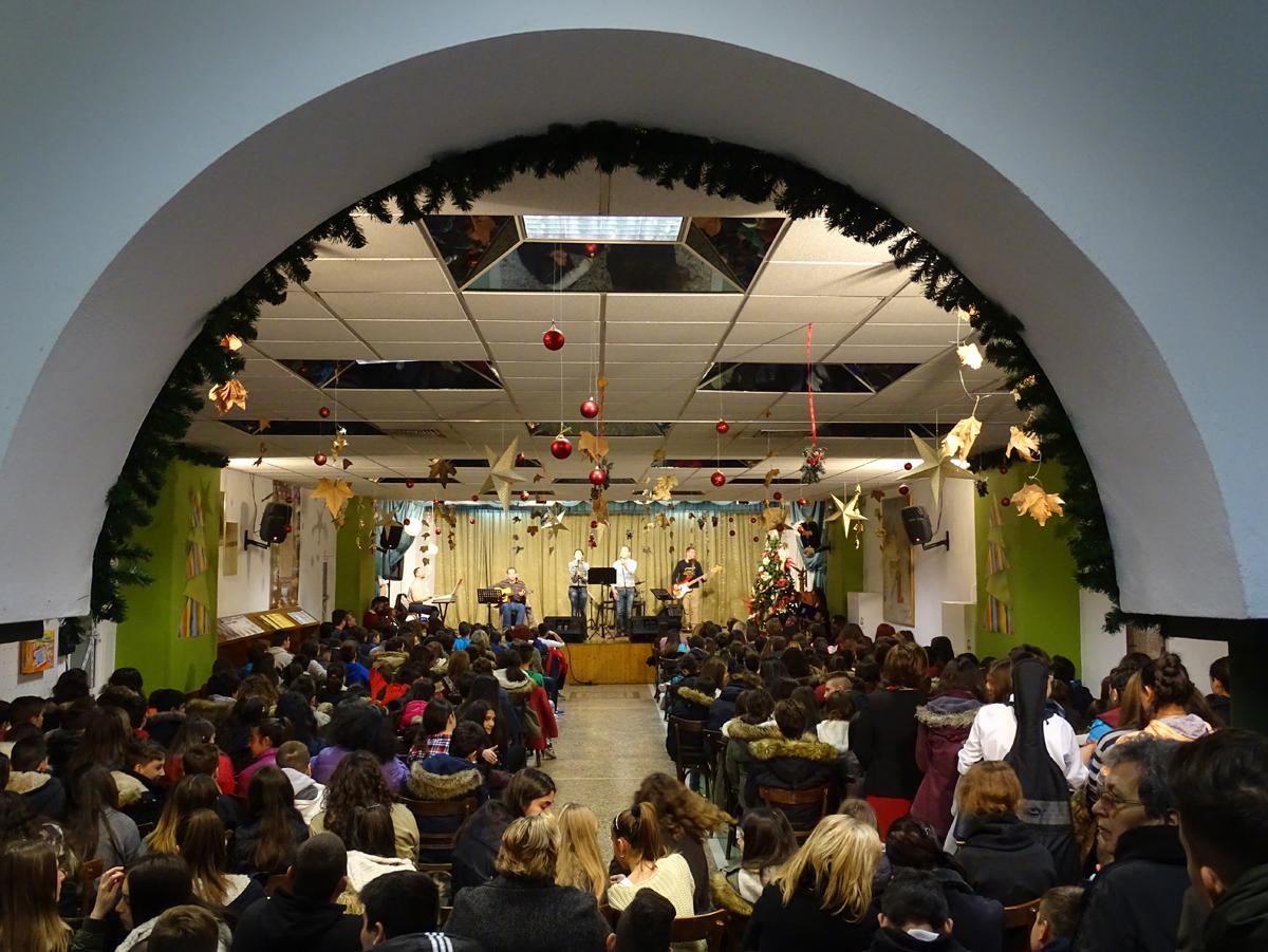 Χριστουγεννιάτικη γιορτή 1ου Γυμνασίου Ευόσμου στην Κατακόμβη
