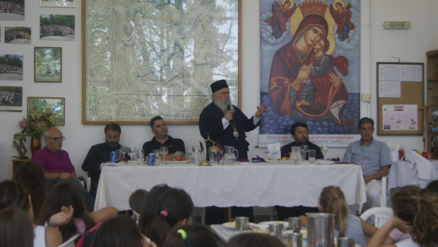 Επίσκεψη Σεβασμιωτάτου Μητροπολίτου κ. Βαρνάβα στην Κατασκήνωση