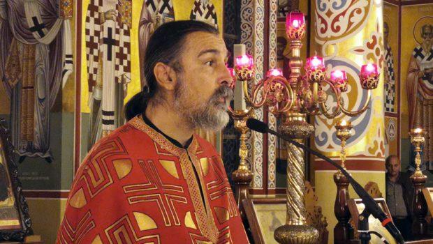 Ο π. Γεώργιος Μπέτας κηρύττει στη 2η Στάση των Χαιρετισμών