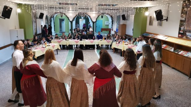 Τραπέζι για Ρωμιόπουλα της Πόλης στην Κατακόμβη
