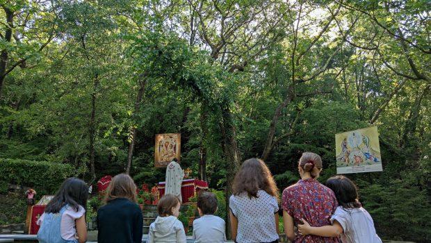 1η Θ. Λειτουργία στη Μακρυνίτσα για το φετινό καλοκαίρι… παραμονές Κατασκήνωσης